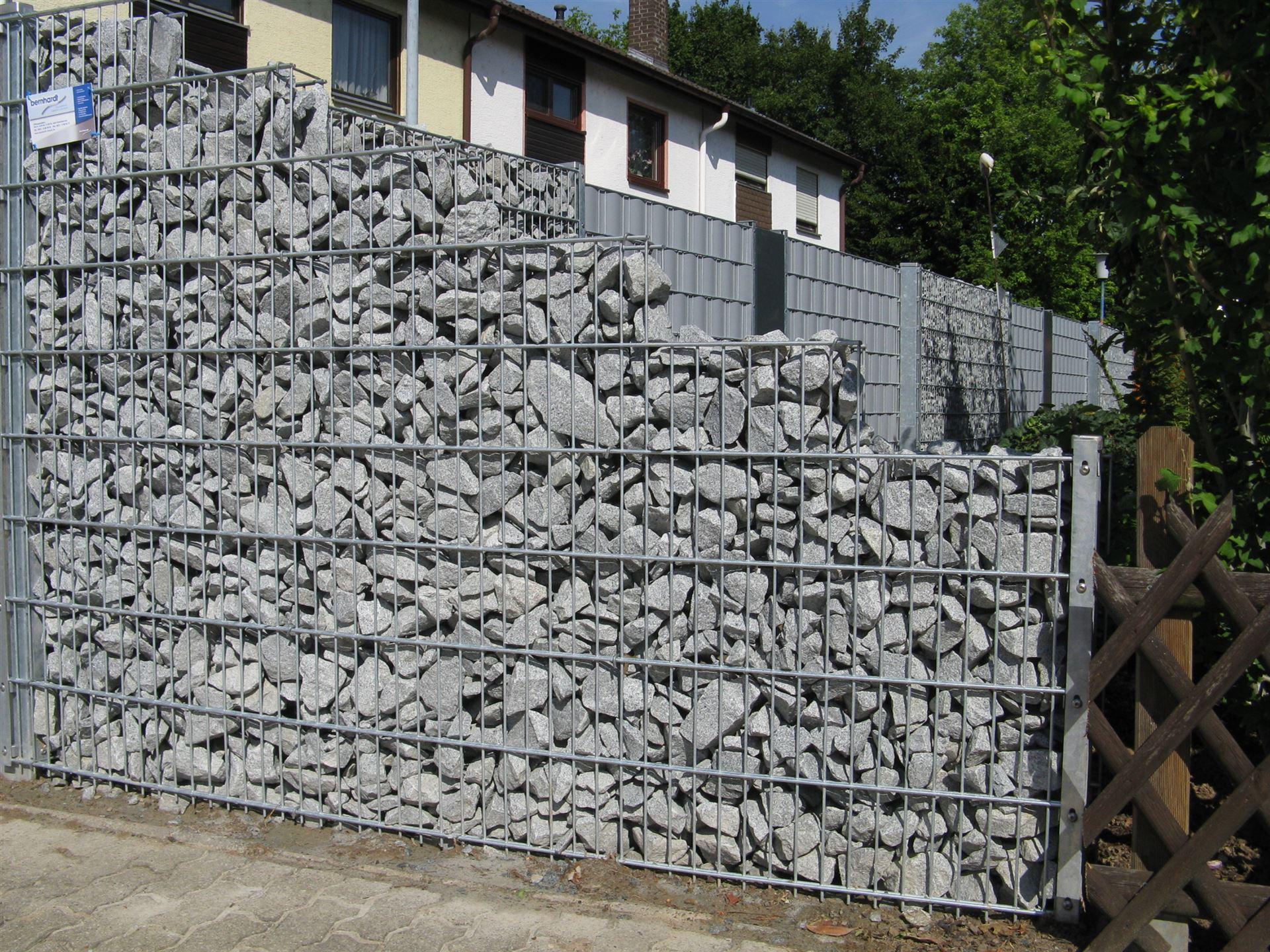 stein-gabionenwand aus rechteckrohr